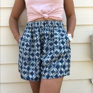 Gap Printed Flowy Pattern Shorts